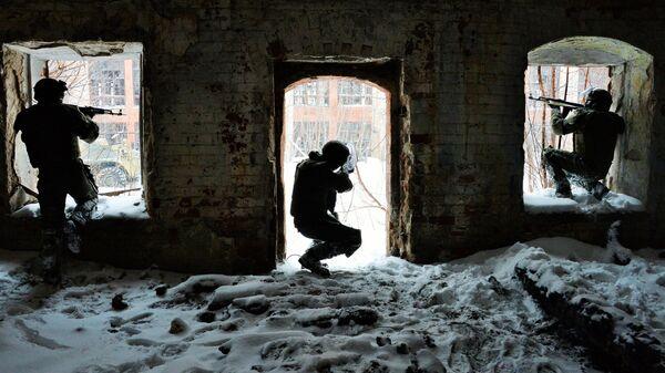 Военнослужащие штурмового батальона инженерных войск РФ. Архивное фото