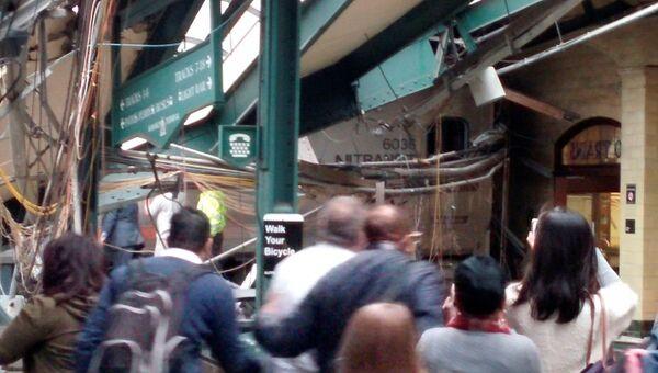 На месте железнодорожной аварии на станции города Хобокен в штате Нью-Джерси, США. 29 сентября 2016