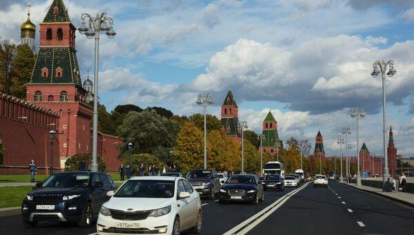 Кремлевская набережная в Москве. Архивное фото