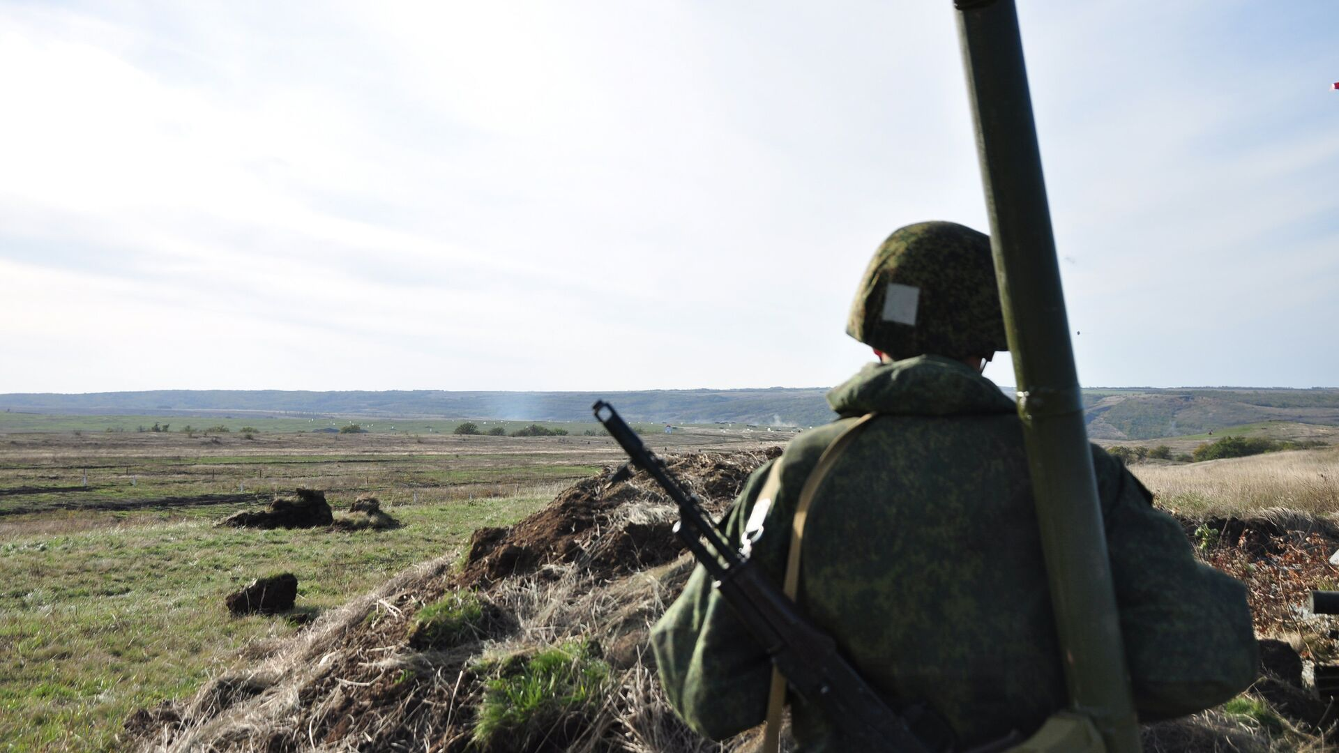 Военнослужащий военных сил ЛНР - РИА Новости, 1920, 07.05.2021