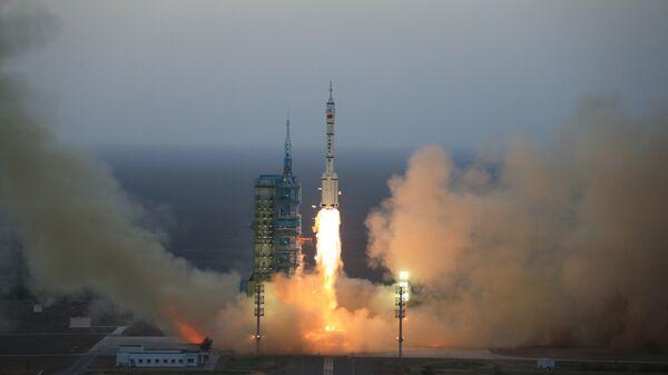 Запуск пилотируемого космического корабля Шэньчжоу-11 в Китае