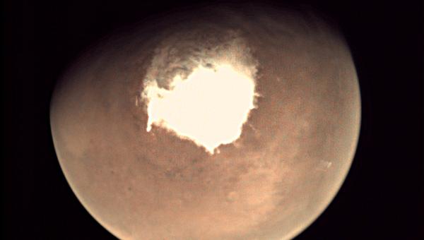 Первый снимок, полученный зондом ЭкзоМарс на орбите Марса. Архивное фото