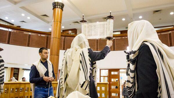 День Симхат Тора - кульминация осенних еврейских праздников