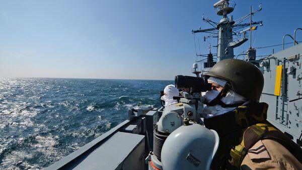 Румынский фрегат Регина Мария во время учений НАТО в Черном море
