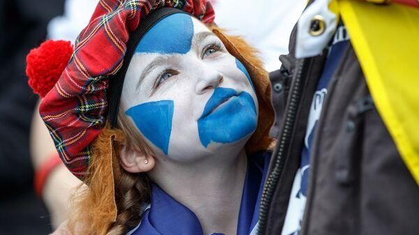 Участники марша в Эдинбурге за независимость Шотландии