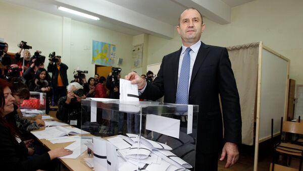 Кандидат на пост президента Болгарии генерал Румен Радев