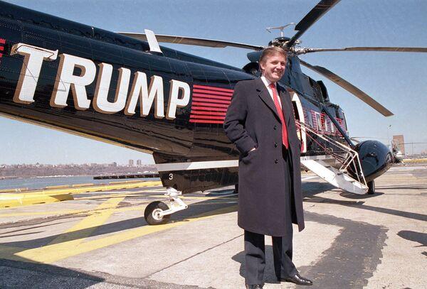 Дональд Трамп у вертолета. 1988 год