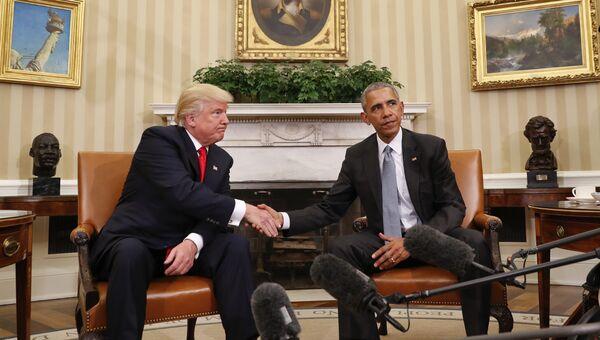 Дональд Трамп на встрече с президентом США Бараком Обамой в Белом доме. Архивное фото