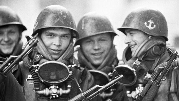Солдаты морской пехоты