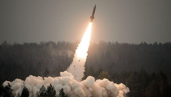Показательный пуск ракеты из комплекса Точка-У. Архивное фото