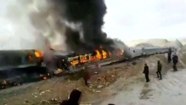 Место столкновения поездов на севере Ирана в провинции Семнан