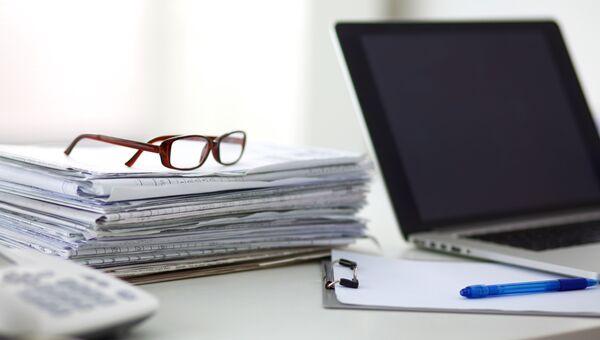 Рабочий стол. Архивное фото