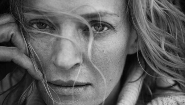 Актриса Ума Турман в календаре Pirelli 2017