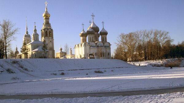 Вологда. Вид на Софийский собор и Колокольню