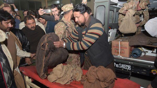 Пакистанские солдаты в морге больницы Абботтабада, Пакистан