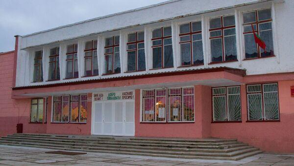 Избирательный участок во время выборов президента Приднестровья