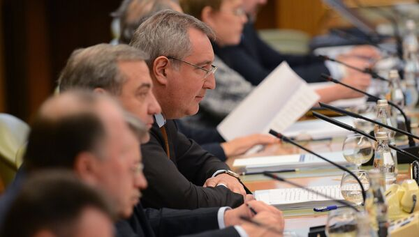 Заместитель председателя правительства России Дмитрий Рогозин на заседании Госкомиссии по вопросам развития Арктики. 13 декабря 2016