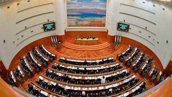 Заседание Сената Олий Мажлиса Узбекистана