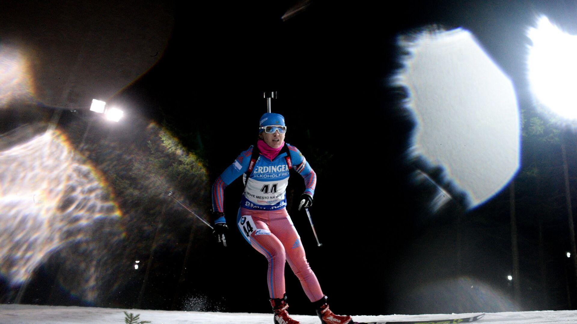 Екатерина Глазырина на дистанции спринтерской гонки на третьем этапе Кубка мира - РИА Новости, 1920, 07.10.2020