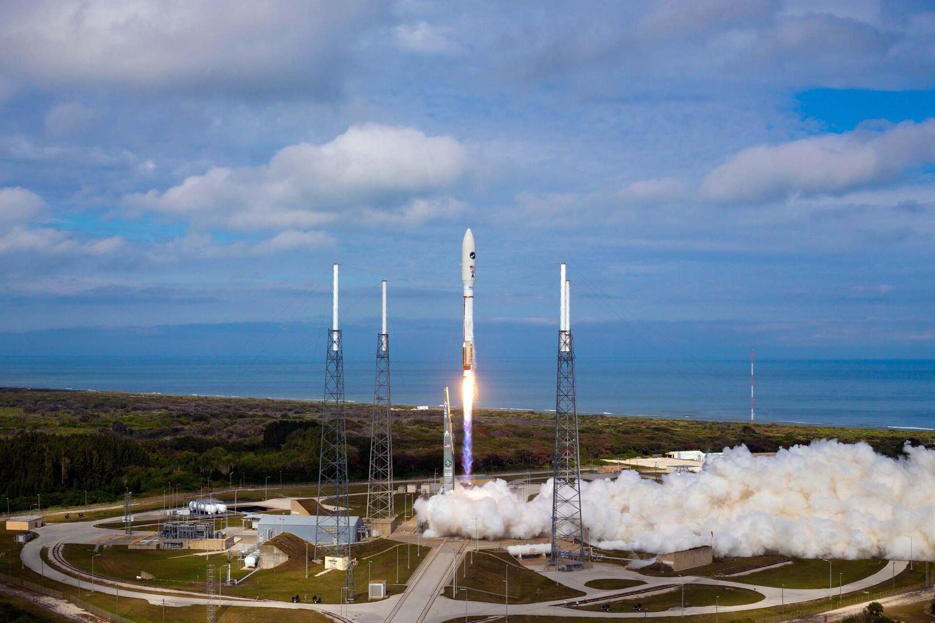 Старт ракеты Atlas V со спутником вооруженных сил США с мыса Канаверал, штат Флорида - РИА Новости, 1920, 02.07.2021