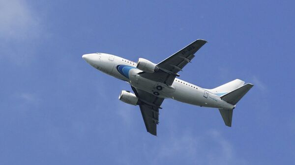 Самолет Boeing 737-528 авиакомпании Ямал. Архивное фото
