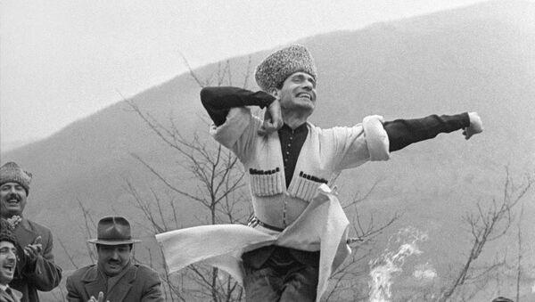 Лезгинка Махмуда Эсамбаева. Предгорье Грозного,  1963 год.