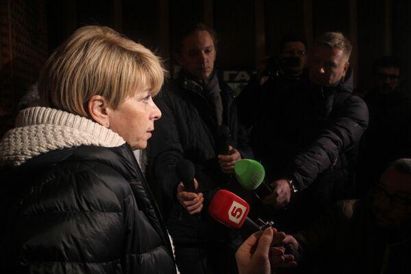 Директор организации Справедливая помощь Елизавета Глинка дает интервью журналистам