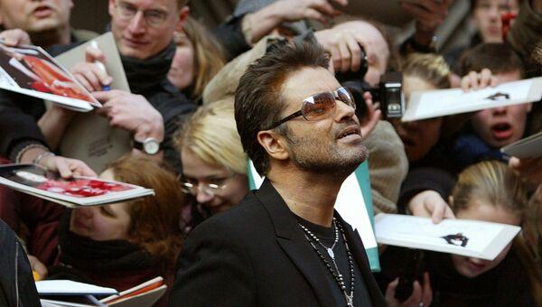 Британский певец Джордж Майкл. 2005 год