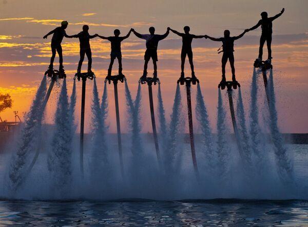 Спортсмены выступают на чемпионате России по флайбордингу в рамках фестиваля Парусная неделя Севастополя