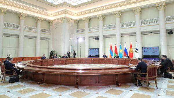 Владимир Путин на заседании ВЕЭС и сессии Совета коллективной безопасности ОДКБ в Санкт-Петербурге. 26 декабря 2016