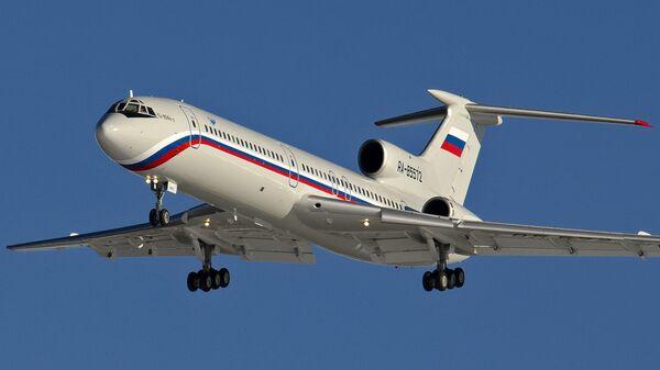 Самолет Ту-154 с регистрационным номером RA-85572 на аэродроме Чкаловский