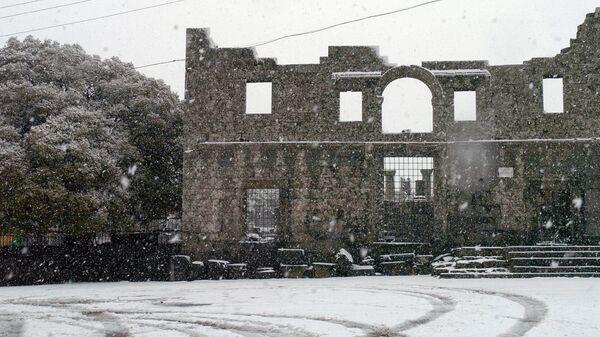Снег в провинции Эс–Сувейда. Эль- Канауат, Сирия