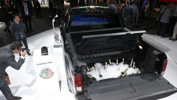 Автомобиль Honda Ridgeline на автосалоне в Детройте