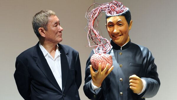Японский режиссер, комик и художник Такеши Китано и его работа Кто ты? Кто смотрит на меня ?!