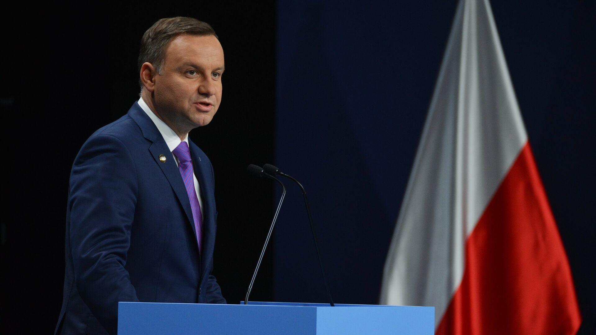 Эксперт объяснил смягчение позиции США по России