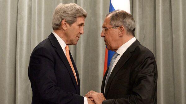 Министр иностранных дел РФ Сергей Лавров и спецпредставитель президента США по вопросам климата Джон Керри
