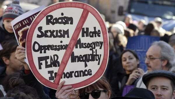 Акция протеста в Риме против Дональда Трампа
