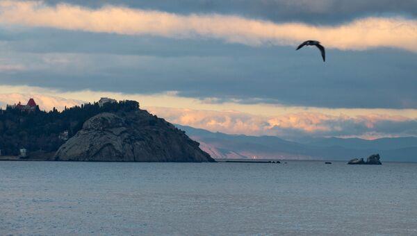 Черное море на закате в Крыму. Архивное фото