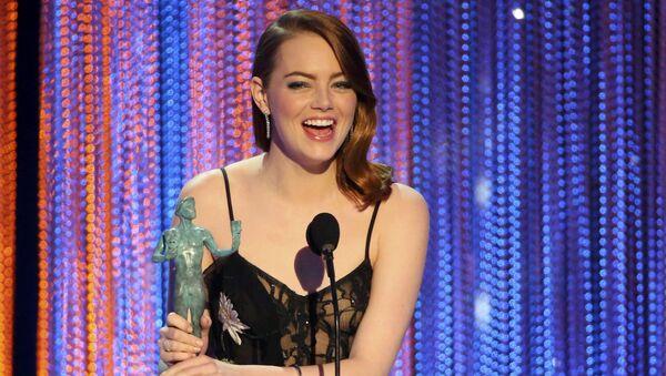 Эмма Стоун на церемонии вручения премии Гильдии киноактеров США в Лос-Анджелесе