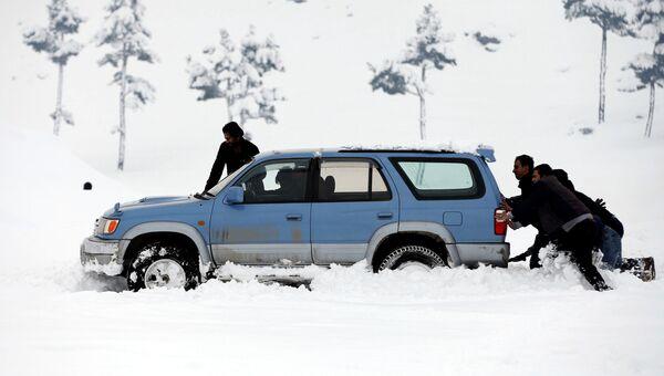 Последствия снегопадов в Афганистане. 5 февраля 2017 года