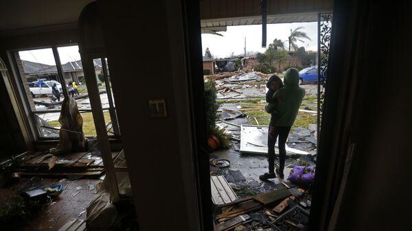 Последствия торнадо в Новом Орлеане, штат Луизиана, США