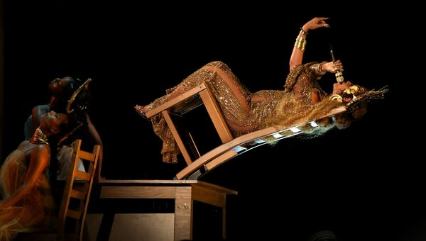Певица Бейонсе выступает на 59-й ежегодной премии Грэмми в Лос-Анджелесе, 12 февраля 2017
