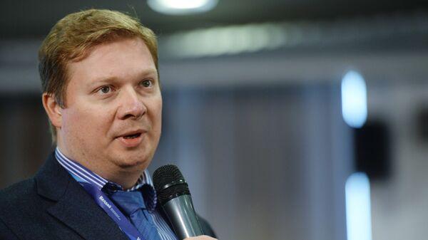 Заместитель директора исследовательских программ Совета по внешней и оборонной политике Дмитрий Суслов на заседании клуба Валдай