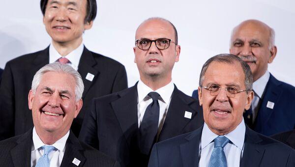 Рекс Тиллерсон, Анджелино Альфано и Сергей Лавров во время встречи глав МИД G20 в Бонне. 16 февраля 2017