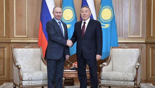 Президент РФ Владимир Путин и президент Республики Казахстан Нурсултан Назарбаев