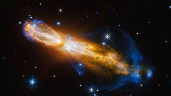 Снимок планетарной туманности Тухлое яйцо полученный телескопом Хаббл
