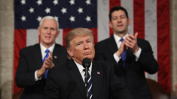 Президент США во время выступления перед палатами Конгресса в Вашингтоне, США. Архивное фото