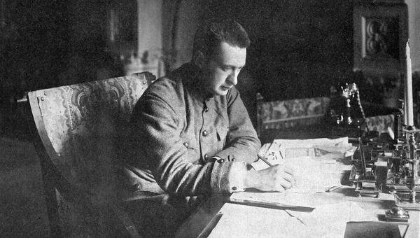 Министр-председатель Временного правительства Александр Керенский. Петроград 21 августа 1917 года