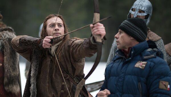 Актер Александр Соколовский (слева) на съемках фильма Вещий Олег