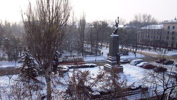 Вид на Кишинев из отеля Турист, Республика Молдова. Архивное фото